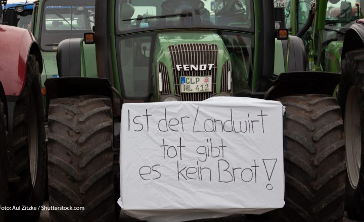 Dieses Mal trifft es Aldi Nord: Landwirte blockierten Lager