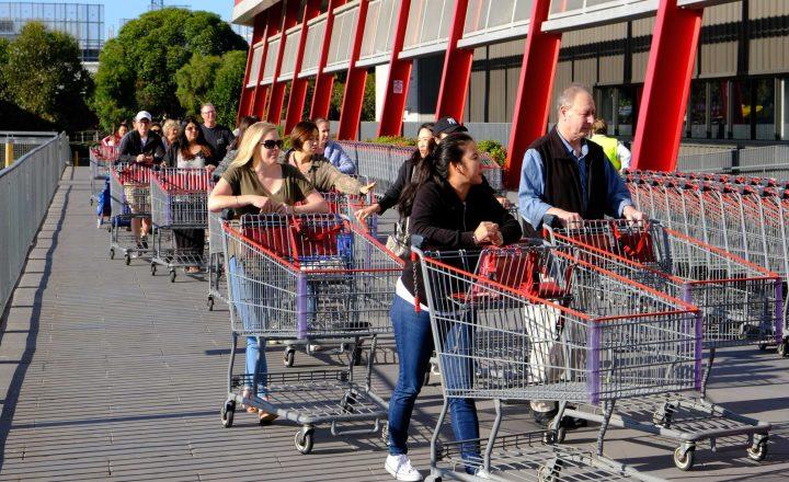 Einzelhandel in Frankreich: Privilegien für Pfleger und Mitarbeiterbonus